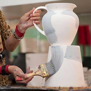 Jenggala keramik bali make a ceramic with a unique design for alila uluwatu