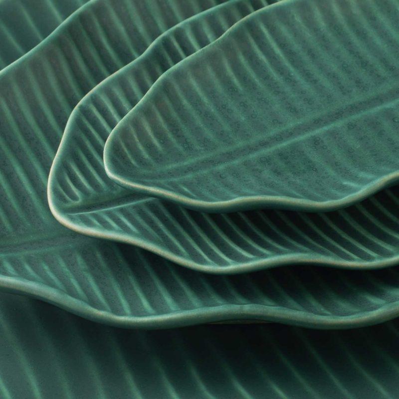 serving plate banana leaf