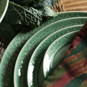 dinner set griya collection lebaran hampers
